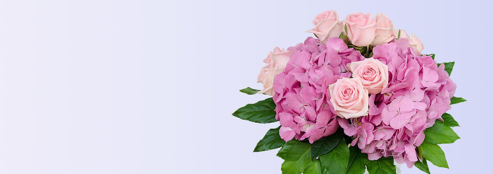 magnifique bouquet d'hortensias et de roses chez Fleurs Kammerer